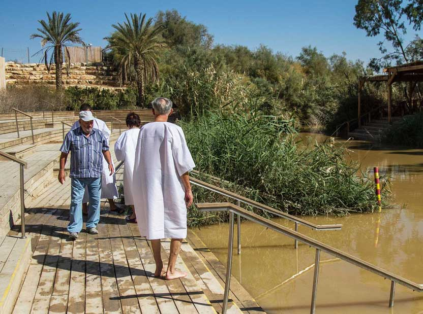 On-the-deck-of-Qaser-El-Yahud-Baptismal-Site-